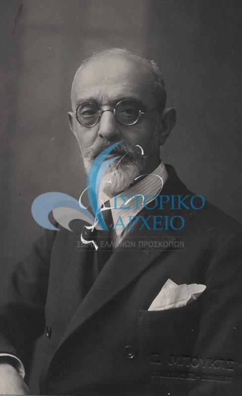 Φωτογραφίες από μέλη του Σώματος  Ελλήνων Προσκόπων που συμμετείχαν στην διοίκηση, την εκπαίδευση, το πρόγραμμα ή επέδειξαν σπουδαία δραστηριότητα στην κοινωνική τους ζωή.
